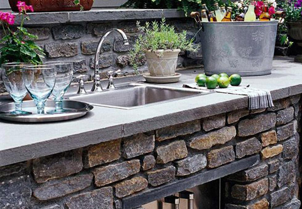Bespoke outdoor kitchen design