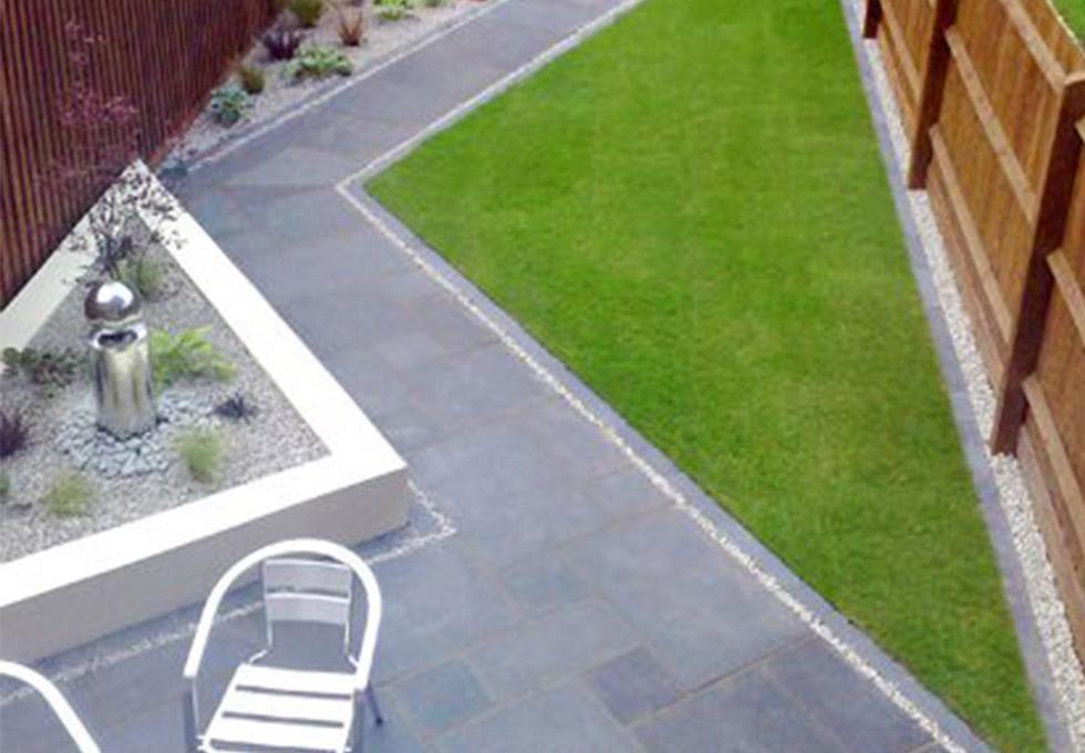 Contemporary zig-zag style garden