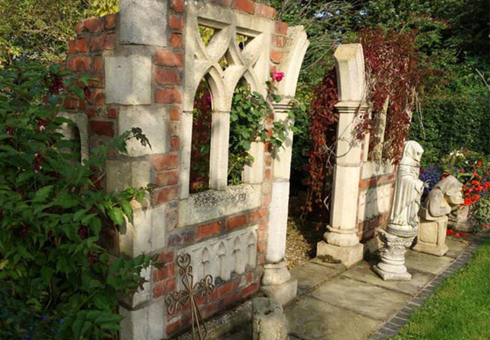 Garden folly, Little Leigh, Cheshire